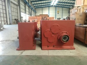 JC gearbox for twin screw
