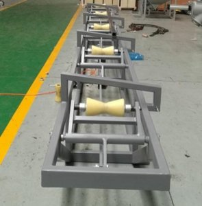 Stacker for plastic pipe