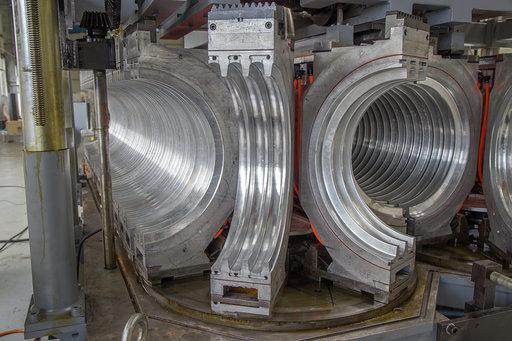 forming molds for double wall corrugated pipe