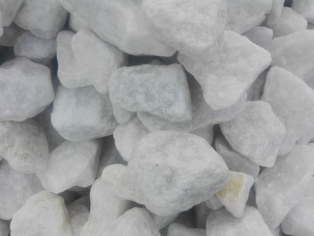 calcium carbonate in rock form
