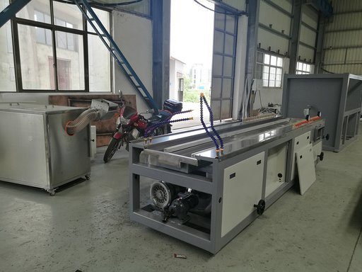 Calibration table for PVC wall panel extrusion line