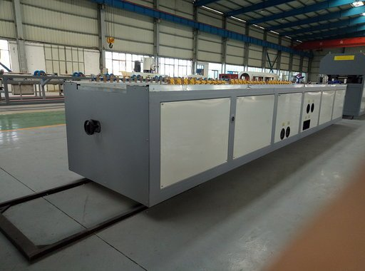 Calibration table for PVC window extrusion line