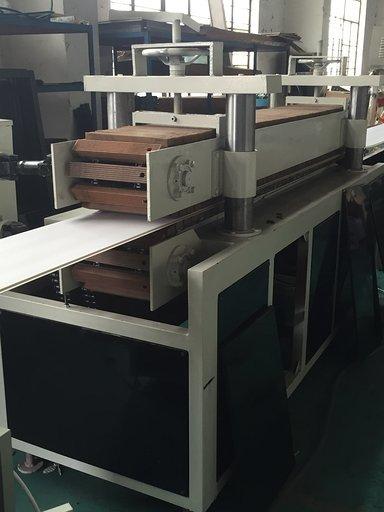 Rubber block-type haul-off